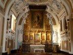 Cappella lignea del 1500 Chiesa Madre, con le reliquie del patrono San Maurizio