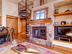 Blending modern with rustic, Snow Day Hideaway truly encapsulate all that Telluride has to offer.