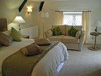 Woodford Bridge Country Club Living Area