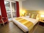 Le Manoir des Deux Amants Master Bedroom