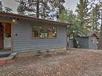 This cozy vacation rental studio cottage in Big Bear Lake comfortably sleeps 4 guests on a fun getaway!