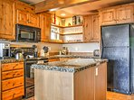 Prepare all your homemade specialties in this fully equipped kitchen.