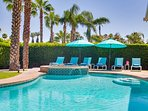 Lions Gate Estate - Just 2 blocks from Palm Canyon Drive