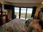 Oceanfront master bedroom new summer quilt new Samsung smart tv on demand Netflix cable