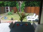 le jardin depuis la terrasse