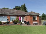 THE BUNGALOW, WIFI, cosy rooms, large garden, near Dunnington, Ref. 962691