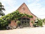 THE DUTCH BARN, open plan living, woodburning stove, garden, in Aston, Ref. 9605