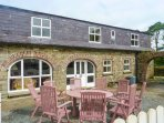 TOBER EILE, pet friendly, character holiday cottage, with a garden in Ferns
