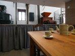 Molinos, cocina completa, hora del café en la Casa-Molino: El Molino del Panadero