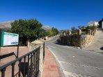 Entrada a Jimera de Líbar. A la derecha la calle peña. Casa-Molino: El Molino del Panadero