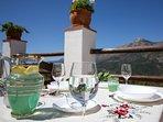 Desayuno, almuerzo y cena con vistas al pico Martijín. Casa-Molino: El Molino del Panadero.