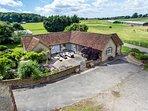 THE FARM HOUSE, all ground floor, woodburner, lawned gardens, fantastic base, Up