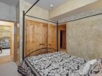 Lower 3rd Bed/Queen