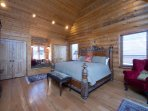 Master suite/king/balcony