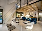 Willow Beach House - dining area, kitchen & gallery