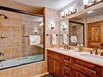 16-Kiva-333-Bathroom-C1.jpg