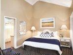 Wyndham Newport Overlook bedroom