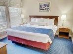 Wyndham Newport Onshore bedroom