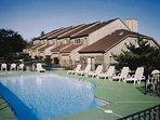 Wyndham Newport Overlook outdoor pool