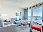 Wyndham Inn on the Harbor living room