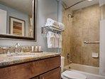 Wyndham Vacation Resorts At National Harbor bathroom