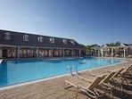 Wyndham Kingsgate outdoor pool
