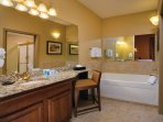 Wyndham Nashville bathroom