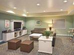 WorldMark Long Beach lounge