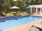 Wyndham Vacation Resorts Royal Garden at Waikiki outdoor pool