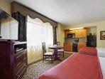 Avenue Plaza Resort bedroom