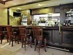 Avenue Plaza Resort bar