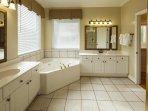 Wyndham Ocean Ridge Accommodations bathroom