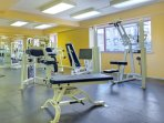 Avenue Plaza Resort fitness area