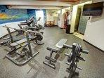 Wyndham Bay Voyage Inn fitness area