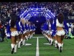 Dallas Cowboys  Cheerleaders heading off the field