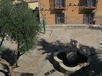 mirando a cuenca fachada plaza san nicolas a 50 m de la catedral de cuenca