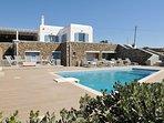 Luxury Villa in Super Paradise, Private Pool, Free Wi-Fi, Daily Maid Service.