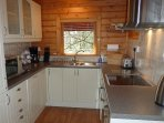 Hooting Lodge - kitchen