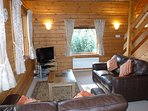 Hooting Lodge - living room