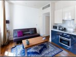 CurioCity London Oxford Street House is a bright, modern apartment