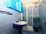 A1(6+2): bathroom