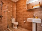 Upstairs WC and shower room. Villa Ruza, Donja Lastva