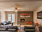 Ideal for a group of friends or family, you'll love the home's relaxing setting.