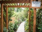 Pathway arbor to know you are here