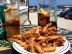 Típico aperitivo, unas rabas y el vermuth