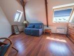 La chambre avec canapé convertible.