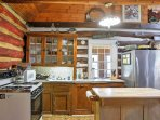 The fully equipped kitchen has everything you need to make delicious home-cooked meals.