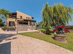 Garden view - Villa Russelia in Rhodes
