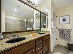 Master bathroom - Plenty of room for two