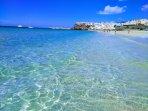 Playa de Jandia y pueblo de Morro Jable.